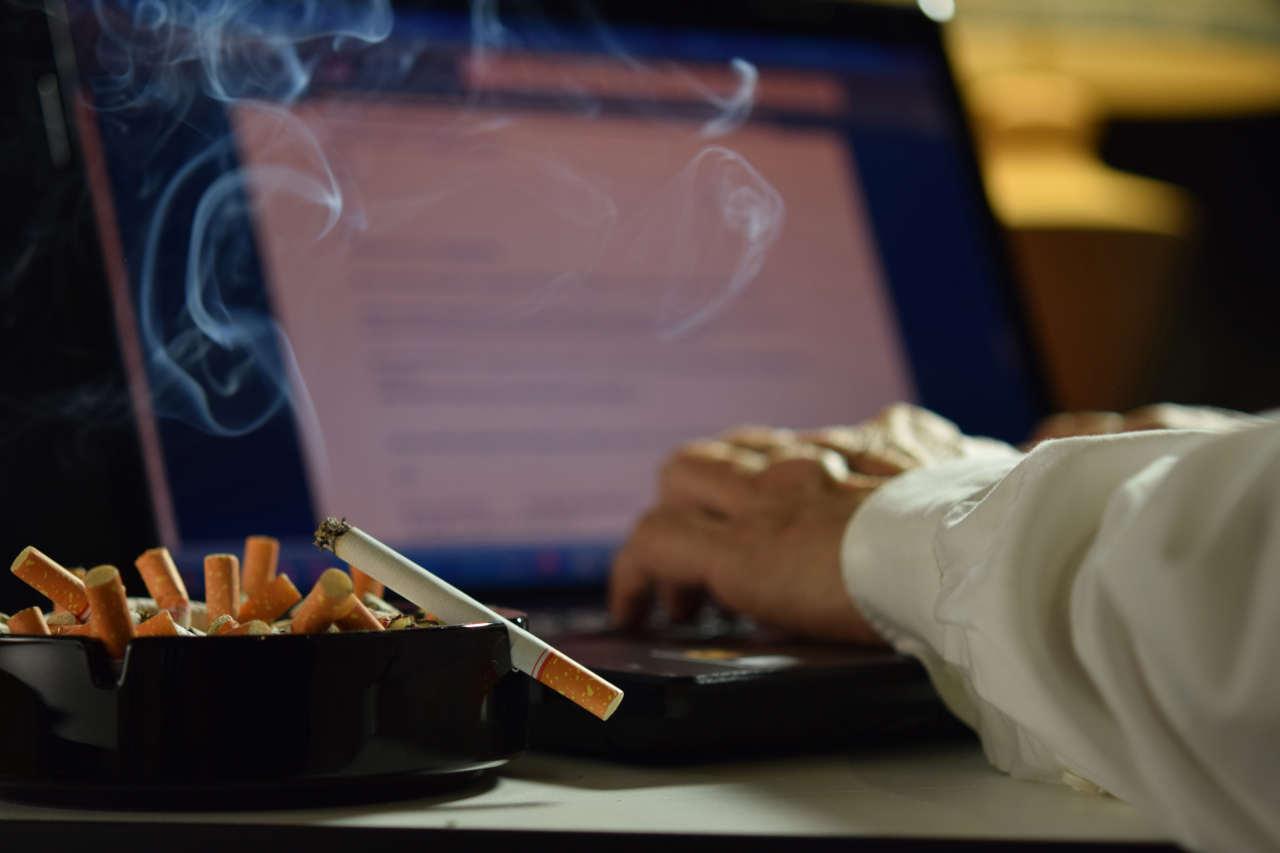Jak pozbyć się zapachu papierosów?